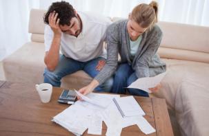 Смоленские семьи «тонут» в долгах как в шелках