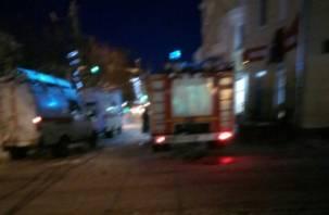 Машины скорой помощи, полиции и МЧС в центре города встревожили смолян