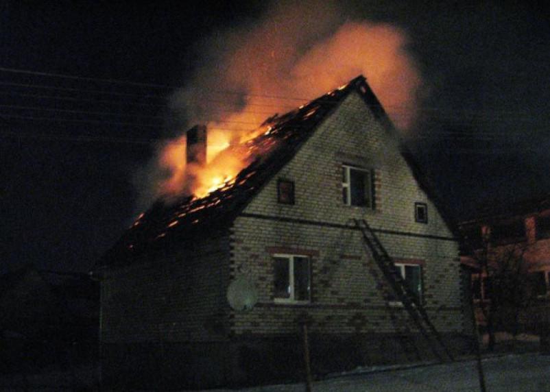 Не сошлись в цене: двое рабочих подожгли дом своей заказчицы