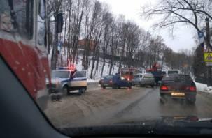 На улице Дзержинского в Смоленске авария парализовала движение трамваев