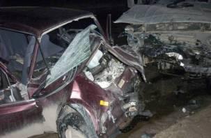 В лобовом столкновении на трассе М1 погибли два человека