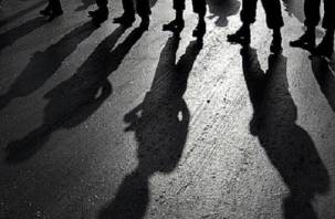 «Кто-то на кладбище побежал»: в соцсетях сообщают о массовой драке смоленских подростков