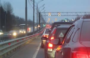 Смоляне спешат отметить Рождество: на границе с Беларусью собрались многокилометровые пробки