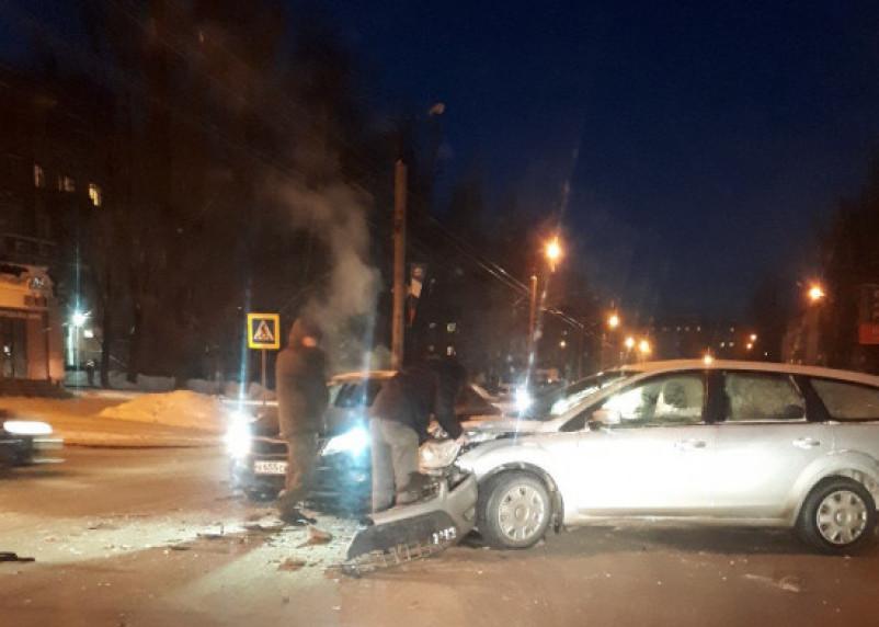 Смолянин ищет свидетелей серьезной аварии на улице Николаева в Смоленске