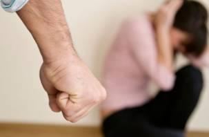 Смолянин систематически избивал свою малолетнюю дочь