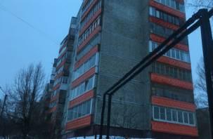 В Смоленске мужчина погиб, выпав с балкона многоэтажки