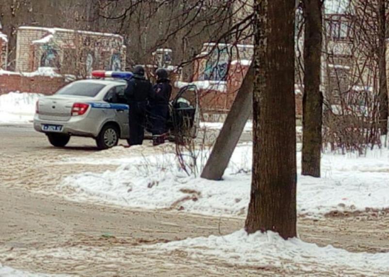 «Полиция, пожарка, скорая». Несколько улиц в Смоленске перекрыты и оцеплены