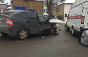 В Смоленске произошло серьезное лобовое столкновение двух авто