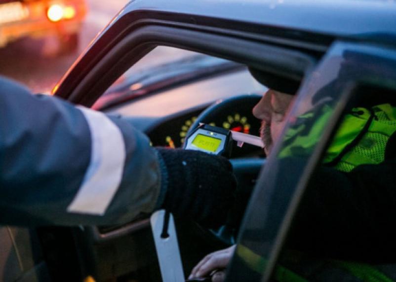 За выходные на дорогах Смоленщины пойманы десятки пьяных водителей