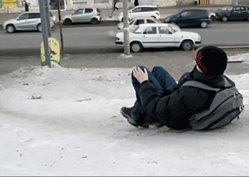 На «ледяные горки» к смоленским школьникам пришли сотрудники ГИБДД