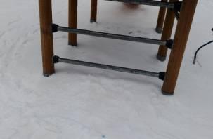 Смолянка нашла на детской площадке «отходы» от наркоманов