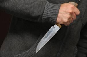 Пьяный смолянин набросился на знакомого и искромсал его ножом