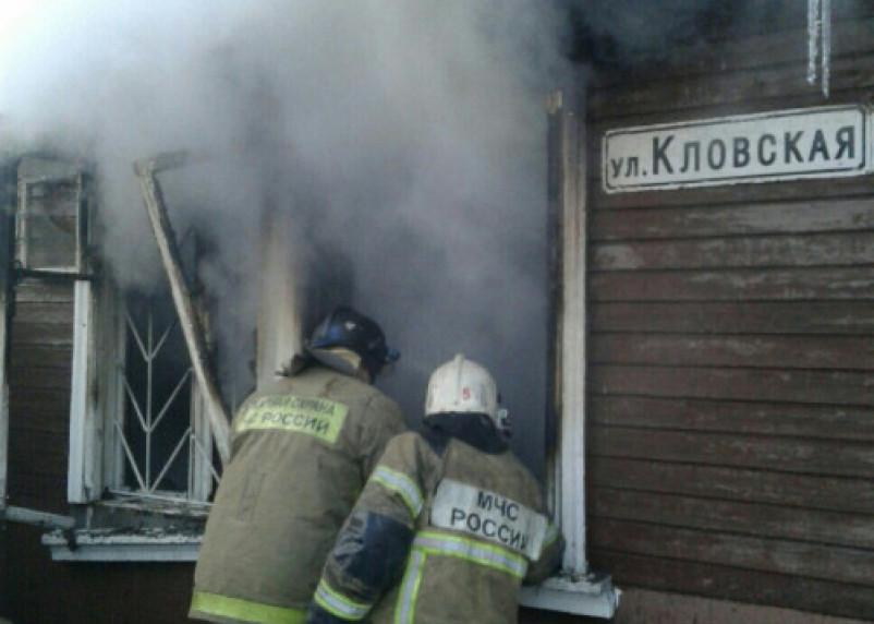 Поджог? О пожаре в Смоленске, который унес жизнь ребенка,  сообщили и федеральные СМИ