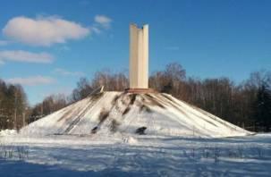 В Смоленске пресекли катание с памятника погибшим воинам