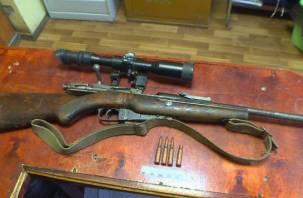 Смолянин нашел в доме своего умершего отца винтовку и взялся за старое