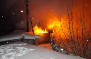 В смоленской деревне в горящем доме погибла пенсионерка