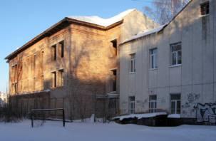 В центре Смоленска «законсервировали» недостроенную больницу