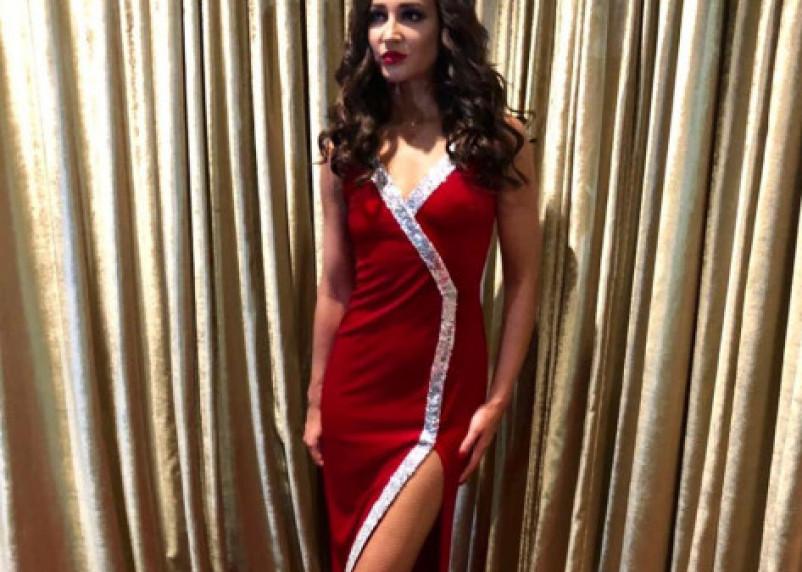 «Я знаю, что вы любите, когда я в платьях»: Ольга Бузова выступила в Смоленске