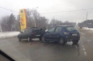 Из-за аварии под Смоленском затруднено движение транспорта