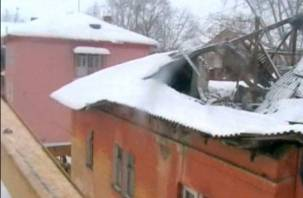 В Смоленской области снег сошел вместе с крышей жилого дома