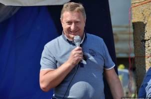 Экс-сенатор от Смоленской области Мишнев присвоил 13 млн рублей, а выплатит штраф в 300 тысяч