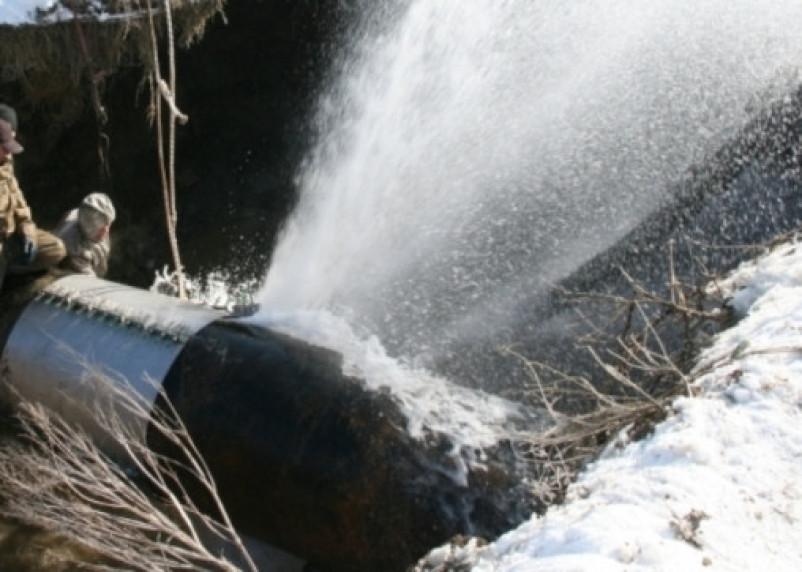 Прорыв трубы: в Вязьме тысячи жителей остались без воды