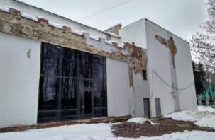 Смоленский горсовет отдал разваливающуюся «Молодость» музею-заповеднику