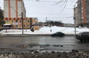 «Главный дорожник сбежал, ждем следующего»: смолян уже не удивляют дороги в городе