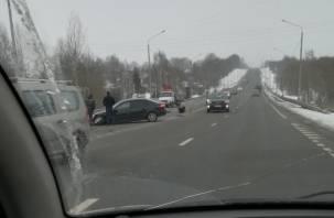 «Раскидало по дороге». В Смоленске произошло серьезное ДТП