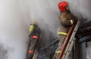 После пожара в Смоленске мужчина с ожогами доставлен в больницу