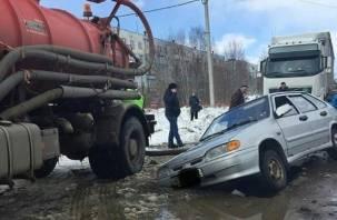 В Смоленской области земля поглотила автомобиль