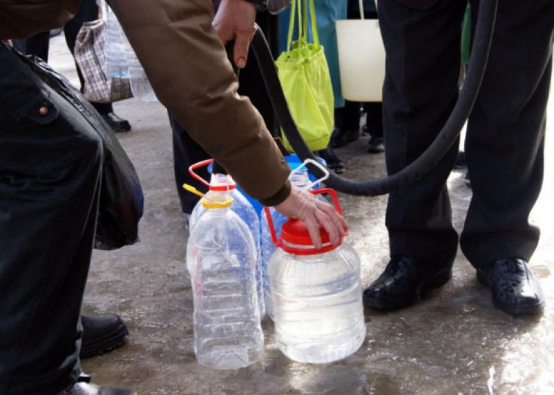 На трех улицах Смоленска отключат холодную воду