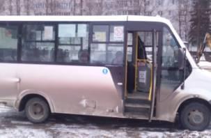 Смоленские маршрутчики подвергают детей-пассажиров опасности?