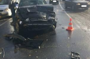 «В машине был ребенок». Подробности аварии с пятью пострадавшими на смоленской трассе М1