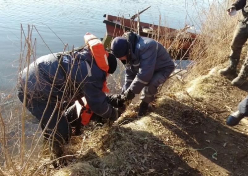В Смоленской области из реки достали тело утопленника