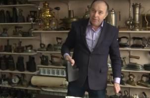 Коллекцию старинных утюгов собрал житель Смоленска