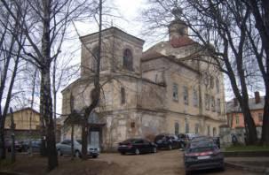 Смоленский дом-церковь почти расселён