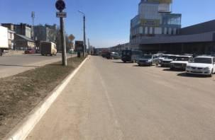 В Смоленске у «Галактики» стерся злополучный «судебный» тротуар