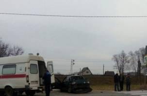 В Смоленской области два авто столкнулись и сбили женщину