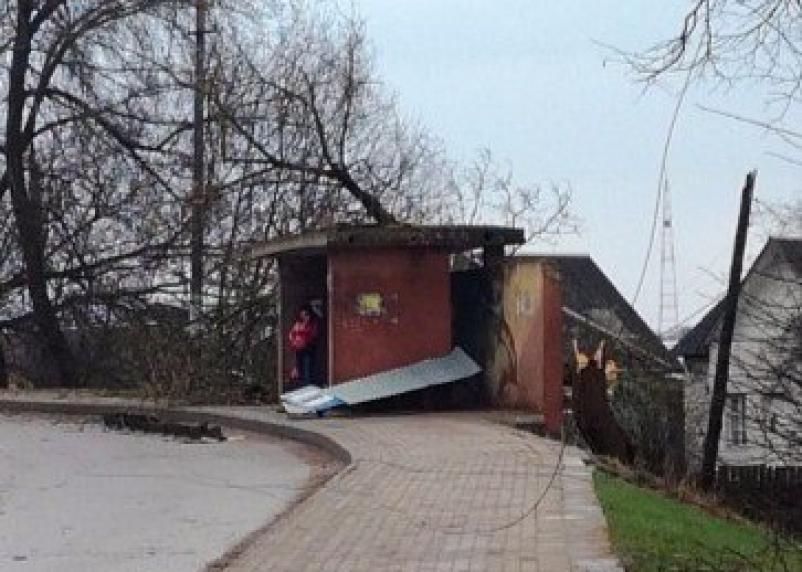 Последствия стихии в Смоленской области: тысячи жителей остались без электричества