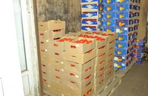 В Смоленске на оптовом рынке изъяли крупную партию украинских томатов