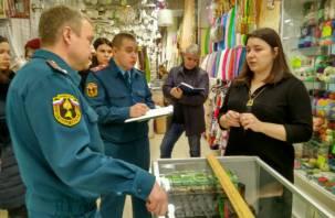 Прокуратура и МЧС проверили, насколько безопасен ТЦ «Славянский» в Смоленске