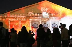 На здании Манежа в Москве покажут световой фильм о Смоленске