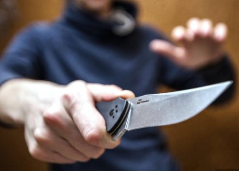 «Взял нож и стал угрожать». Смолянин хотел зарезать свою сестру