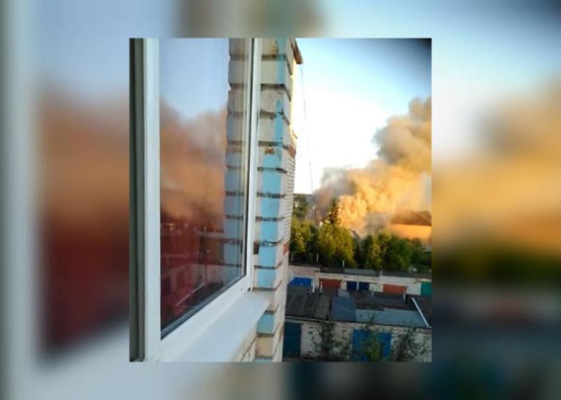 «Дым валил страшный». Подробности крупного пожара в Смоленской области