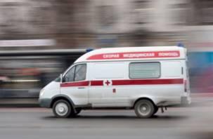 На скорой – в трамвпункт. В Смоленске мужчина сломал ребро в трамвае