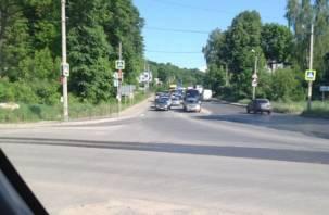 В Смоленске огромная пробка образовалась на улице Верхний Волок