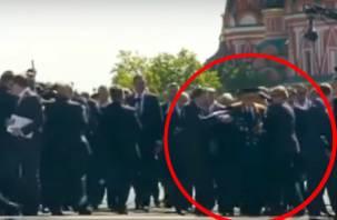 «Чуть не затоптали»: Путин спас освободителя Смоленска от своей охраны