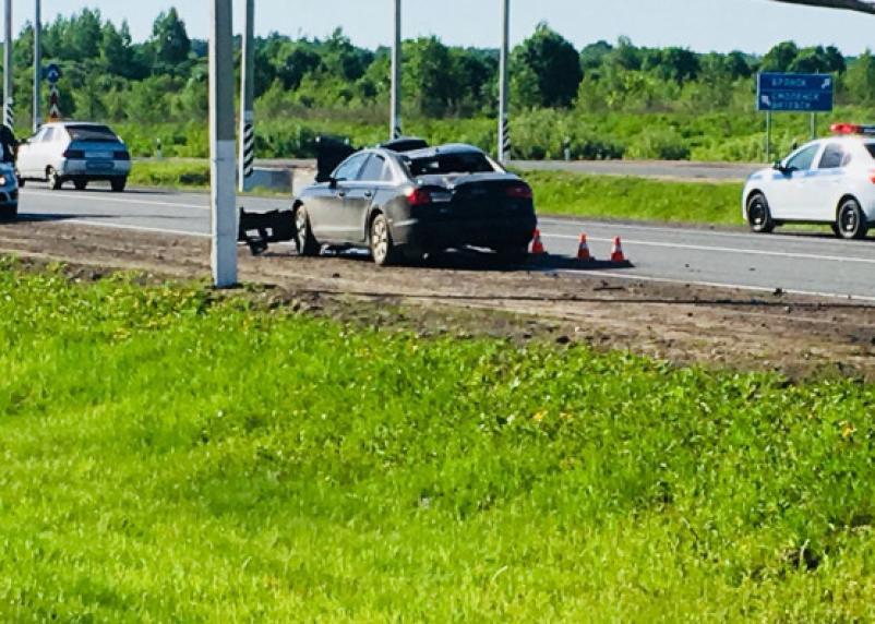 Мчал на скорости 180 км/ч: в Сети появились фото машины смоленского горе-шумахера