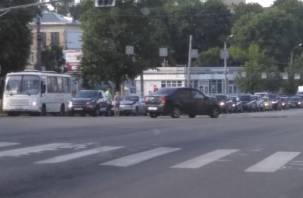 Смоленск стал в вечерних пробках из-за аварий